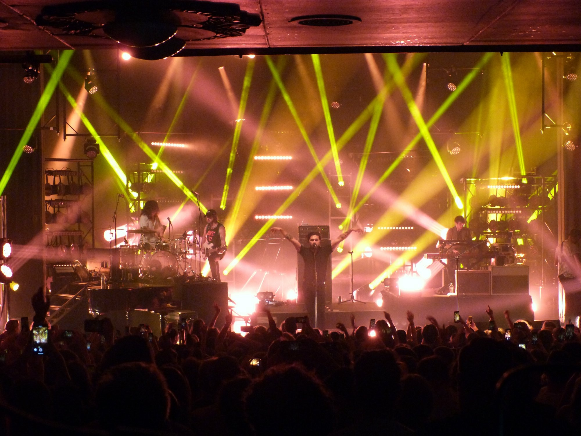 """Featured image for """"EI's Configurable Light Pods solution for Gang Of Youths ?"""""""